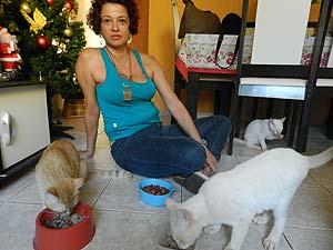 Para Karla de Almeida a separação é difícil, mas necessária (Foto: Andréia Candido/G1)