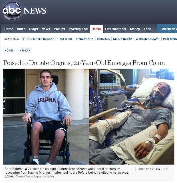 O norte-americano Sam Schmid após deixar o coma (à esquerda) e durante o coma. (Foto: ABC News / Reprodução)