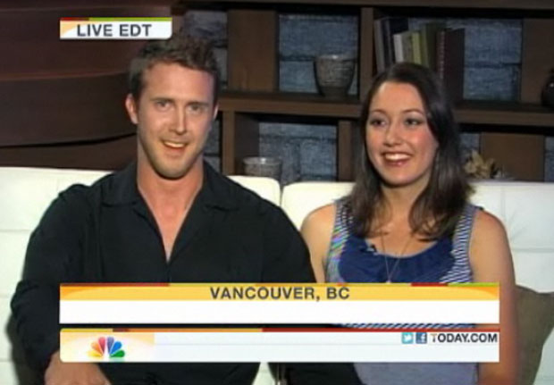 O casal deu entrevista ao Today Show, da NBC, dias após o tumulto. O assédio da mídia foi 'uma loucura', segundo o australiano (Foto: Reprodução)