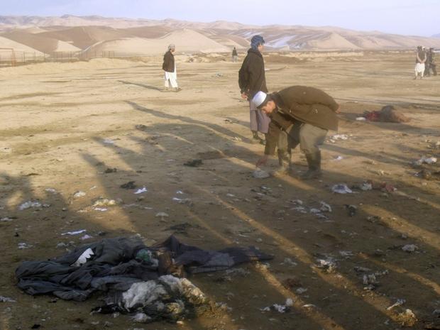 Local onde ocorreu o ataque suicida durante funeral neste domingo (25) no Afeganistão. (Foto: Stringer / Reuters)