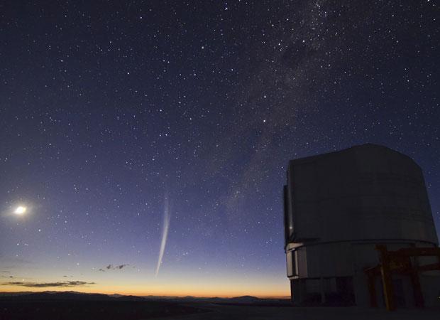 Observatório no Chile registra passagem de cometa (Foto: Reuters/G. Blanchard/ESO)