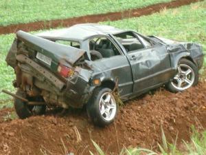 Carro sarandi (Foto: PRF)