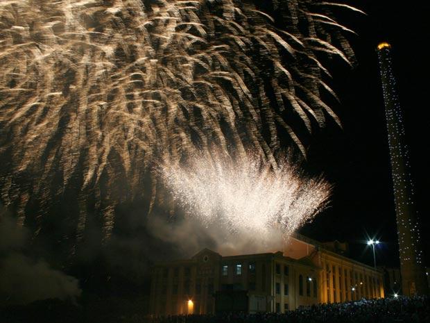 Show de fogos na virada de 2010 para 2011 no Gasômetro (Foto: Ricardo Giusti/divulgação, PMPA)