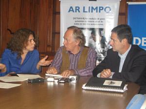Marilene Ramos, do Inea, secretário Minc, e Fernando Avelino, presidente do Detran (Foto: Lilian Quaino/G1)