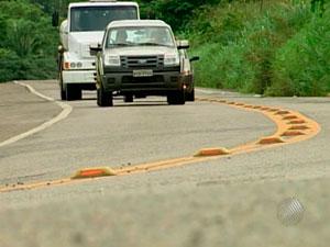 Curva em estrada na Bahia (Foto: Reprodução/TV Santa Cruz)