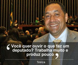 Selo frase Tiririca (Foto: Vianey Bentes/TV Globo - Editoria de Arte G1)