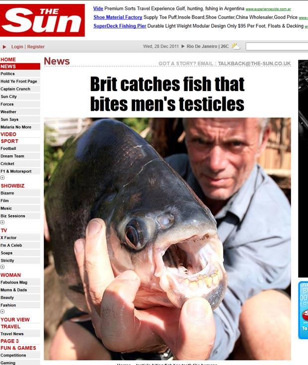 Jeremy Wade exibe peixe que mata homens após morder seus testículos. (Foto: Reprodução/The Sun)