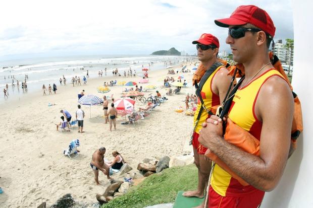 Corpo de Bombeiros intensifica atendimento na virada do ano no litoral (Foto: Divulgação/ Agência Estado)