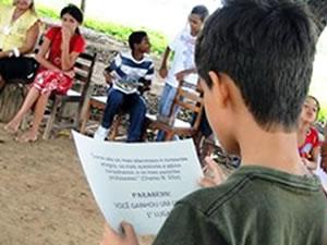 Menino leitor de MT (Foto: Sec. Educação de São Félix do Araguaia)