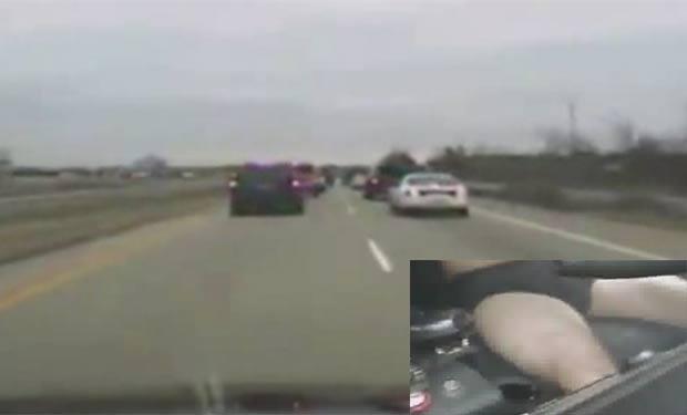 Ryan Elliot Cunningham roubou veículo da polícia e foi flagrado dirigindo só de cueca. (Foto: Reprodução)