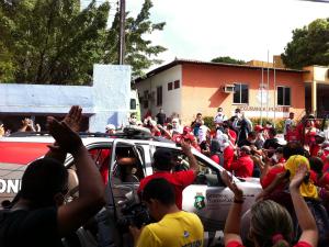Policiais militares ocupam sede da 6ªCia (Foto: Alana Araújo/TV Verdes Mares)