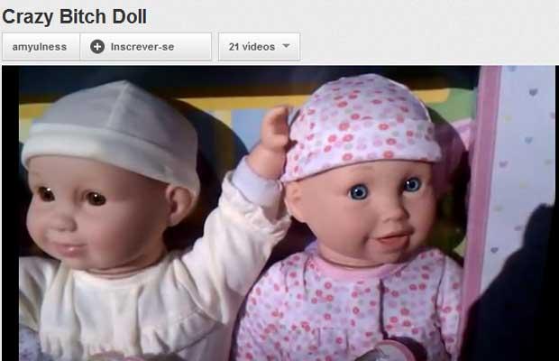Boneca que profere suposto xingamento gera protestos nos EUA (Foto: Reprodução de vídeo)