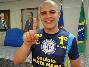 João Pedro foi o primeiro colocado no vestibular tradicional da UPE (Foto: Katherine Coutinho/G1)