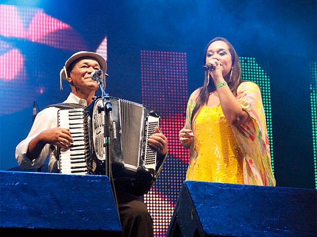 Dominguinhos e a filha, a cantora Liv Moraes, se apresentaram no Recife (Foto: Divulgação/Poullainn Neuve)