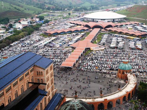 Santuário de Aparecida recebeu 6,6 milhões de visitantes no segundo semestre de 2011 (Foto: Divulgação)