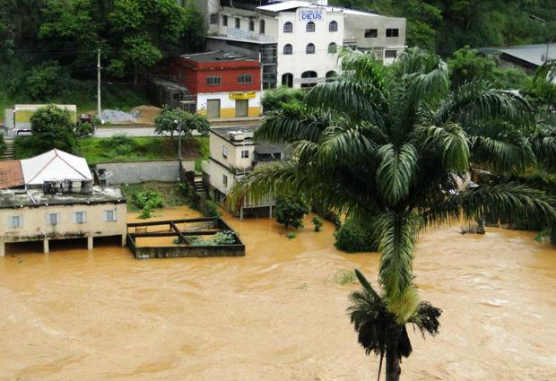 Ponte Nova (MG) está em alerta por causa do aumento do nível do Rio Piranga. (Foto: Divulgação/Prefeitura de Ponte Nova)