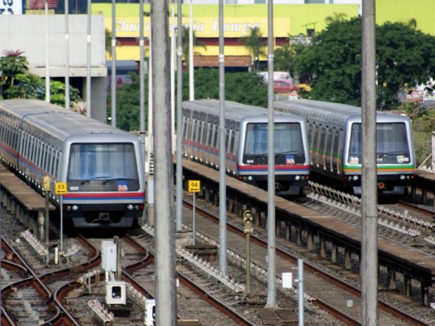 Trens do metrô de Brasília parados durante a greve, que começou em dezembro (Foto: Vianey Bentes / TV Globo)