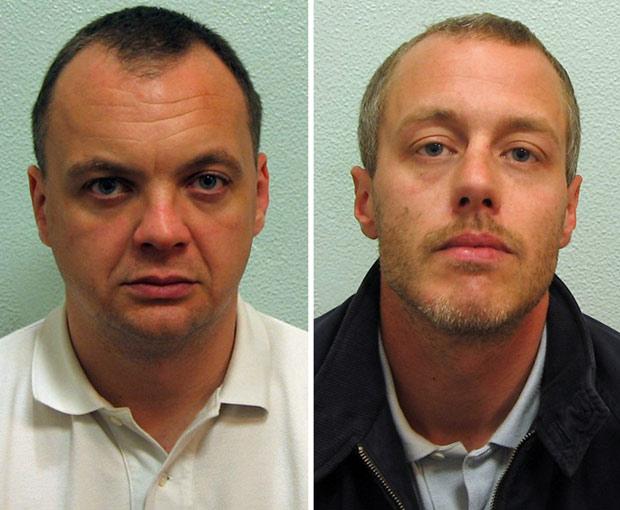 Foto não datada divulgada pela Justiça do Reino Unido mostra Gary Dobson (esq) e David Norris, os dois homens condenados pelo assassinato de Stephen Lawrence (Foto: AFP)
