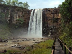 Cachoeira no parque Salto do Sucuriú (Foto: Lígia Sabka/Tv Morena)