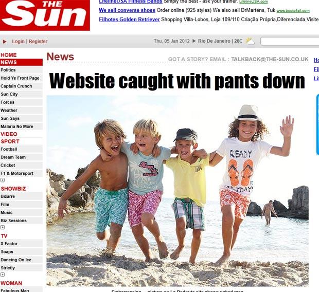 Foto de divulgação do catálogo de roupas infantis mostrar um homem nu ao fundo. (Foto: Reprodução/The Sun)