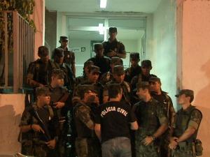 confronto com exército no 2 DP (Foto: TV Verdes Mares/ Reprodução)