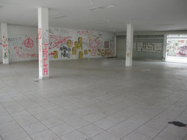 Interior vazio no centro de convivência dos estudantes da USP (Foto: Paulo Toledo Piza/G1)