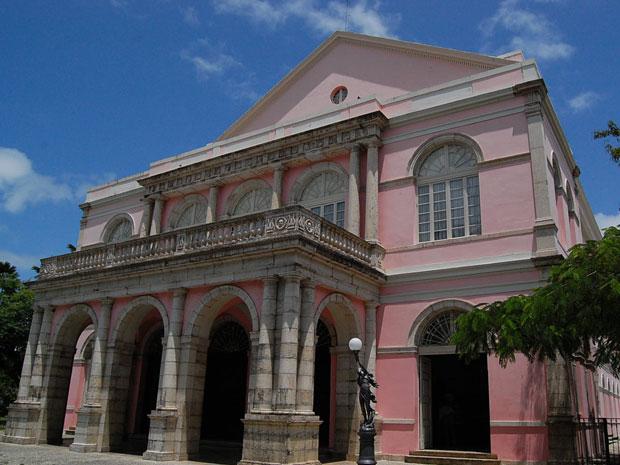 Teatro Santa Isabel também está no roteiro (Foto: Vanessa Bahé / G1)