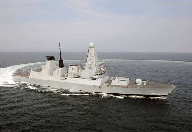 Navio 'Daring' irá se unir aos outros barcos militares britânicos. (Foto: AFP)