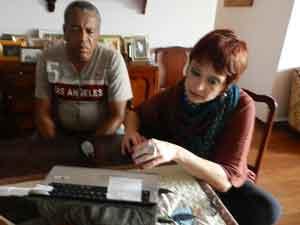 Clarissa Aranyi e Eustáquio Marques conferem algums detalhes das imagens do longa metragem (Foto: Andréia Candido)