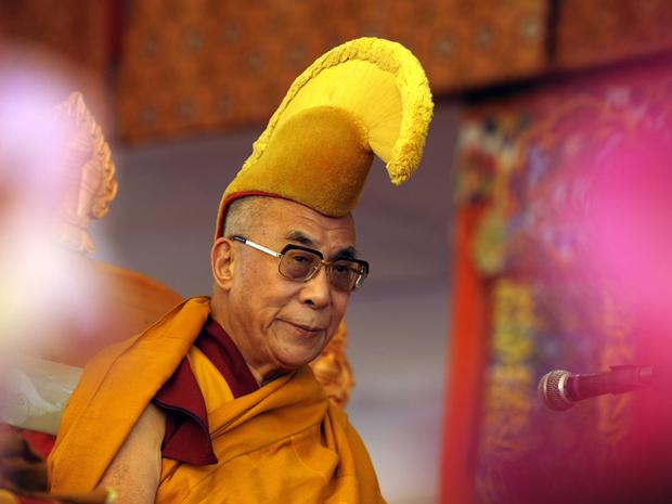 Líder espiritual tibetano Dalai Lama faz discurso durante o sétimo dia do Festival Kalachakra em Bodhgaya, Índia (Foto: AFP)