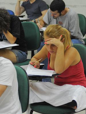 Candidata faz prova da segunda fase da Fuvest (Foto: Flavio Moraes/G1)