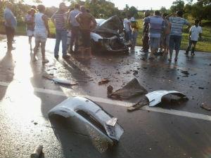 Motorista do veículo morreu no local do acidente em Cerquilho, SP (Foto: Gláucia Souza/ G1)