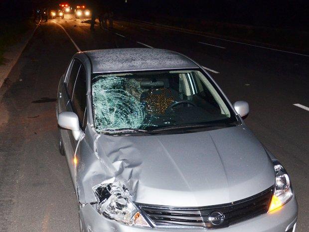 Grávida é atropelada ao tentar atravessar estrada na Paraíba (Foto: Walter Paparazzo/G1 PB)