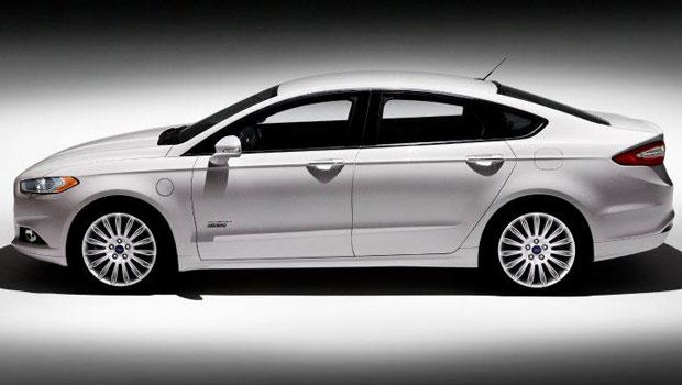 Sedã será oferecido em versões a gasolina, híbrido e plug-in (Foto: Divulgação)