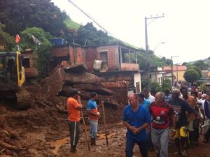 Enterro em Jamapará (Foto: Carolina Lauriano/G1)