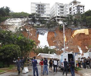 Prédio interditado desaba no Buritis, em Belo Horizonte (Foto: AE)