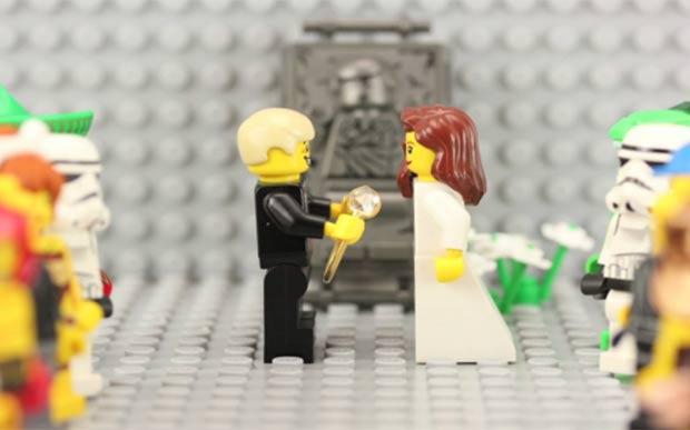 Walt Thompson produziu um vídeo de animaçã para pedir namorada em casamento. (Foto: Reprodução)