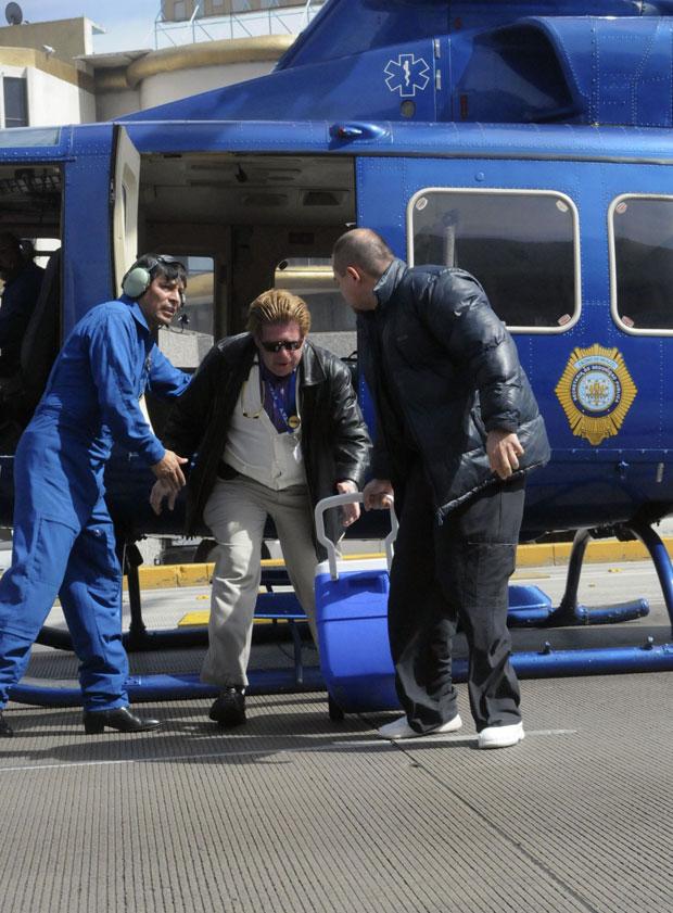 Órgão doado chega a hospital da Cidade do México de helicóptero (Foto: Reuters/Stringer)