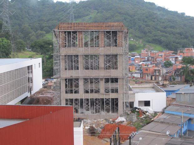 Canteiro de obras onde o acidente ocorreu (Foto: Márcio Pinho/G1)
