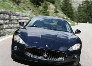 Menino foi flagrado dirigindo Maserati. (Foto: Foto ilustrativa)