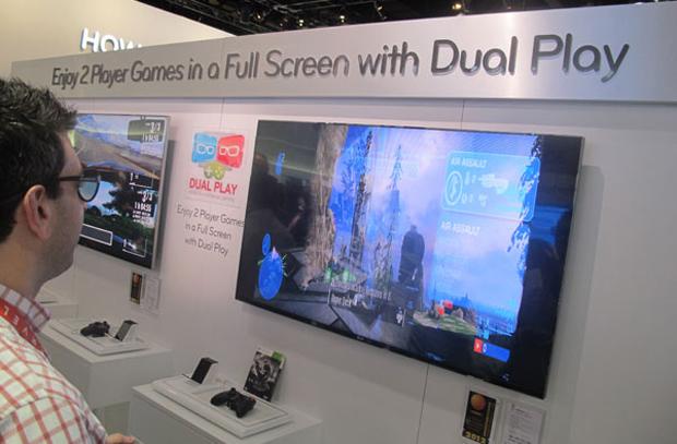 A LG também aposta em TVs 3D que apresentam imagens diferentes para os usuários. O recurso foi demonstrado na CES pela empresa e fez sucesso entre os gamers (Foto: Gustavo Petró/G1)