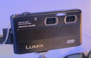 Câmeras com lentes duplas fotografam em 3D (Foto: Gustavo Petró/G1)