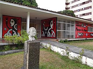 Exposição e oficinas no Museu Murilo La Greca (Foto: Luna Markman/G1)