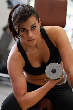 Estudo liga exercícios físicos regulares a salários maiores (Foto: BBC)