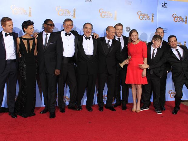 Elenco de 'Homeland' comemora o prêmio de melhor série de drama (Foto: Reuters)