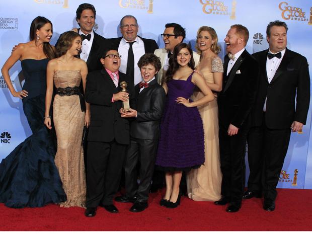 Elenco de 'Modern Family', ganhadora do prêmio de melhor série musical ou de comédia (Foto: Reuters)
