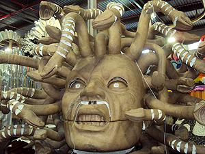 Com ousadia, a escola terá uma Medusa com movimentos (Foto: Rodrigo Vianna / G1)