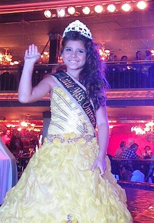 Juliê Rodrigues, de 9 anos de idade, a nova Miss Universo Mirim (Foto: Divulgação)