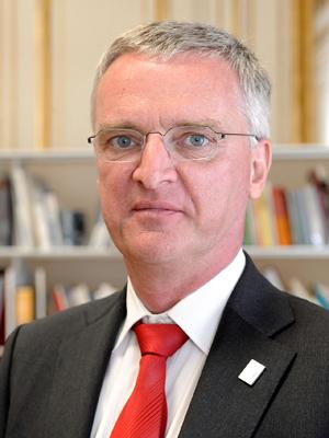 Tim de Zeeuw, diretor-geral do Observatório Europeu do Sul. (Foto: ESO)