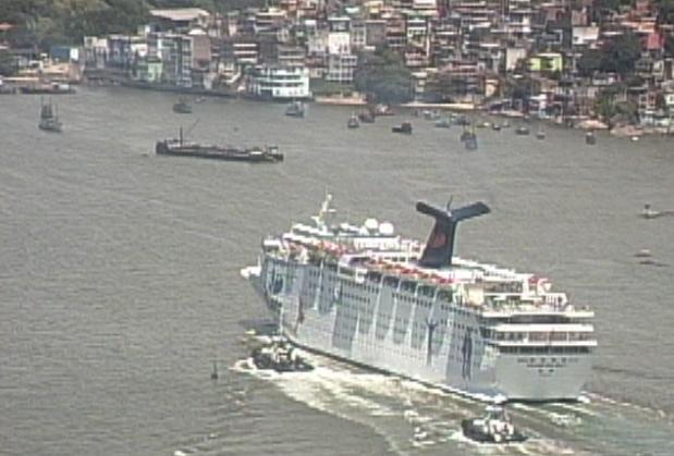 Turistas relatam problemas com navio no ES (Foto: Reprodução/ TV Gazeta)